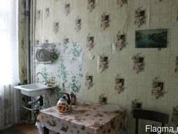 К.2335. 2 комнатная квартира в сталинке по 25 октября.61 кв. - фото 2