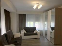 Сдается на долгий срок 2-комнатная квартира в самом центре Кишинева.