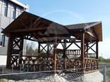 Terase publice. Carporturi, copertine din lemn. - photo 2