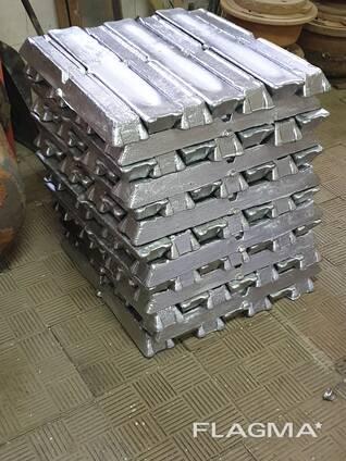 Vindem aliaj de aluminiu alimentar AK5M2P în lingouri cu o greutate de 6,5 kg / 1 buc